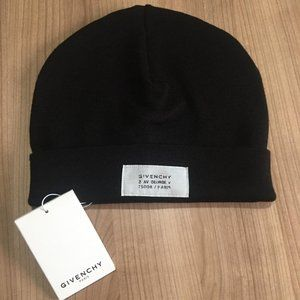GIVENCHY MEN NEW SEASON HATS